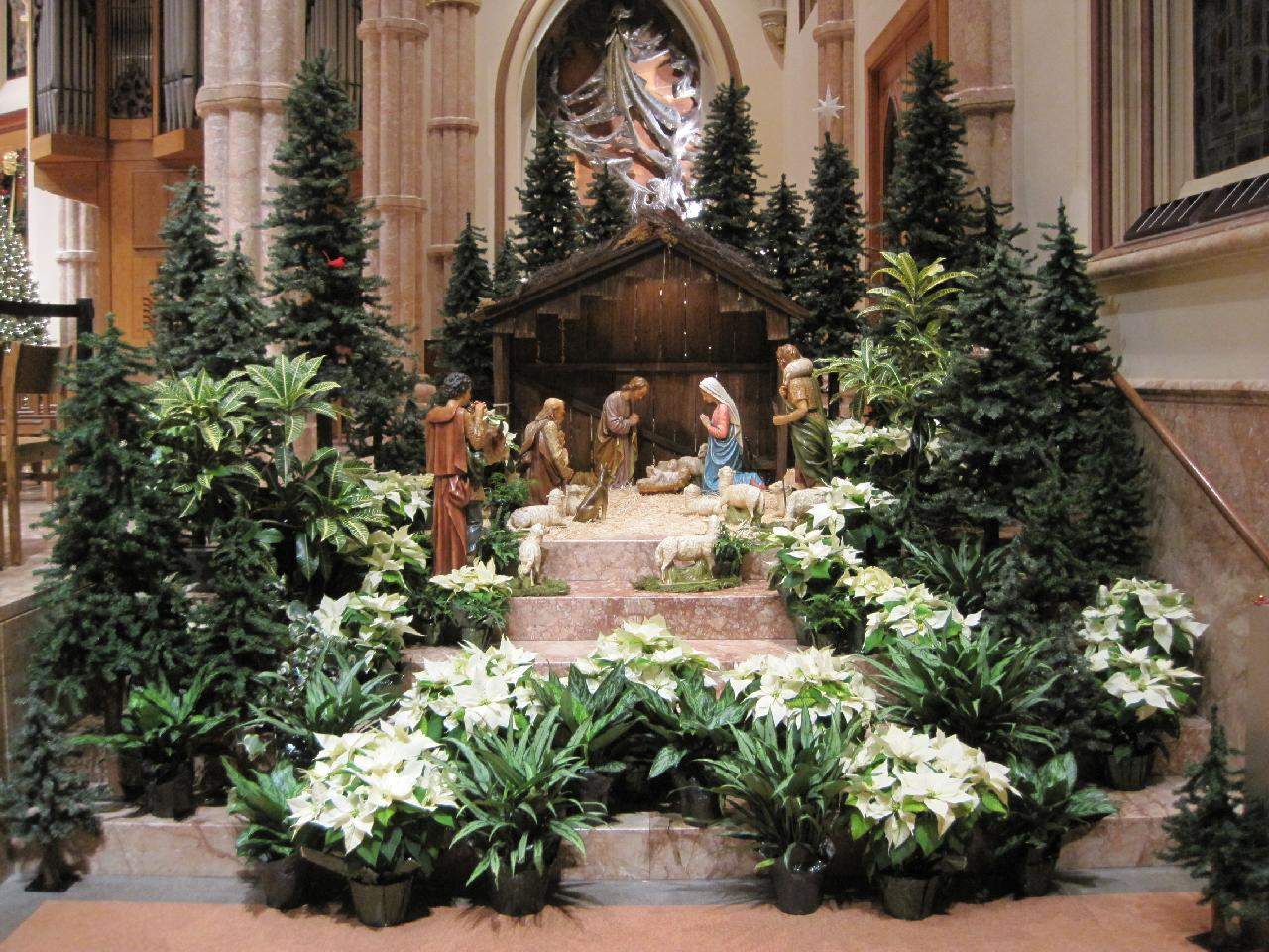 Art and environment church decorating committee holy for Altar decoration for first holy communion